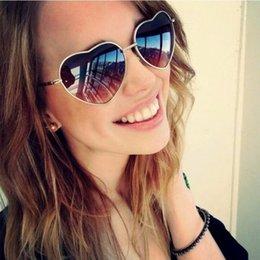 Gafas de corazón masculino online-Gafas de sol Love Heart Gafas de sol Mujer Gafas de sol sin montura Male Female Lolita Hearts Shape Ladies Gafas de sol para mujer