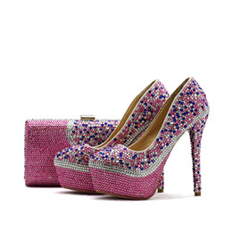 Bolso del zapato de la boda online-2018 Pink Rhinestone Wedding Party Shoes adultos ceremonia bombas con bolsa a juego de tacón alto nupcial boda zapatos de baile con monedero
