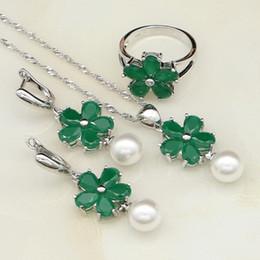 7a33f08e5910 toda sale925 Joyería de Plata Esterlina Verde Creado Esmeralda Perlas  Blancas Conjuntos de Joyas Para Mujeres Aniversario Pendientes   Colgante    Collar ...