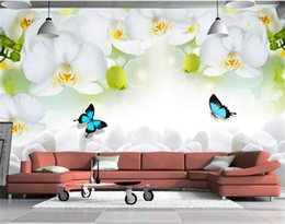 backdrop tv klassisch Rabatt Moderne Einfache Weiße Blumen Schmetterling Fototapete 3D Wandbild Wohnzimmer TV Sofa Hintergrund Wandmalerei Klassische Wandbild 3 D