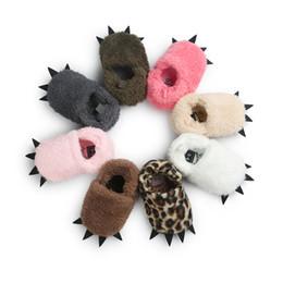 Hausschuhe tragen online-Baby-Mädchen-weiche Plüsch-Hausschuhe Bear Paw Design Tier Boots Kleinkind-Säuglingskrippe Schuhe Winter Hausschuhe