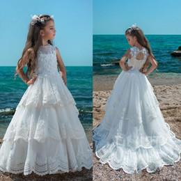 vestidos de meninas de flor china Desconto 2018 branco jóia do pescoço sem mangas menina vestidos de flores oco de volta crianças vestido de noiva a partir de china camadas saias lace meninas pageant vestido