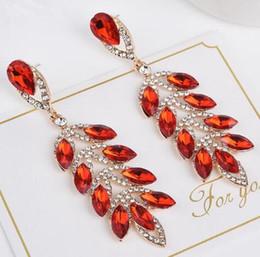 8d06876fe89e 2019 pendientes de diamantes de hoja Hot Style europeo y americano nueva  marca hoja de cristal