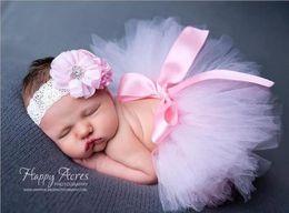 Photo de costume de bébé en Ligne-Nouveau-nés bébé robe bowknot dentelle tutu 2pc ensemble fleur bandeau + tutu jupe nourrissons photo photographie accessoires costumes