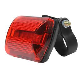 Сигнальная лампа аккумуляторная батарея онлайн-New Arrival Hot Bike 5 LED Rear Tail Light Bike Red Back Light Safety Warning Flashing Bicycle Lights ARE4(Without Baery)