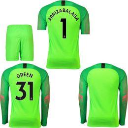 AAA calidad tailandesa 2018 2019 camiseta de portero de manga larga 2018  ARRIZABALAGA VERDE camiseta del estadio de portero 2018-19 camiseta verde  del ... 2f03c31f9dec8
