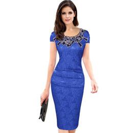 08b42d039d Manicotto elastico variopinto del ricamo della rappezzatura del vestito  dalla matita Vestito di vendita caldo europeo di Hollowed fuori più vestito  aderente ...