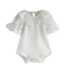 Baby overall häkeln online-Blumen-Spitze-Häkelarbeit-Kragen-Säuglingskleinkind-Baby-Mädchen Kurzschluss-Aufflackern-Hülsen-Normallack-Body-Overall ein Stück Sunsuit-Ausstattungen