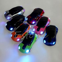 Topi auto wireless online-P 2.4GHZ 1600DPI Mouse senza fili Ricevitore USB Luce LED Super Car Shape Mouse ottico Alimentato a batteria (non incluso)