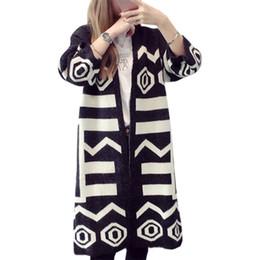 Pullover Frauen Herbst Korean Geometrische Bannfarbe V-ausschnitt Lange  Lose Große Yards Pullover Strickjacke Jacke Vestidos LXJ324 v hals  koreanische ... e78a2edaa3