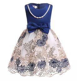 Canada Robe européenne de perle brodée pour les enfants sans manches perlée décolleté filles robes de soirée portent l'âge 3-10 ans cheap embroidered neckline dress Offre