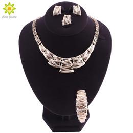 Ensembles de bijoux de fantaisie en cristal clair en Ligne-Femmes Vintage Clear Crystal Collier Or Couleur Bijoux Parures Costume Africain Collier Ensemble Accessoires