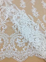 Tessuto floreale del pizzo del ricamo del fiore di lusso per il vestito da sposa, tessuto nuziale del pizzo, tessuto del vestito da promenade del tessuto del pizzo di velo da 5 yard da cortile del tessuto della merletta nuziale fornitori