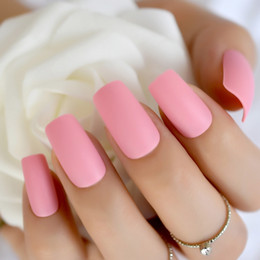 Ongles rose foncé en Ligne-Rose foncé mat ongles lumière rose rose givré faux faux ongles carrés top designs doigt artificiel nail art conseils faux décor