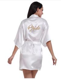 Presentes nupciais para a noiva on-line-Mulheres Roupão De Banho Carta Dama De Honra Dama De Honra Dama De Honra Dama De Honra Dama De Honra Matrimonial Robes Presentes De Festa De Noivo Roupão