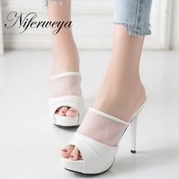 343e84eaf5 Moda verão mulheres sapatos Sexy 11 cm plataforma Slides de salto alto  tamanho grande 33-43 Peep Toe chinelos sandálias zapatos mujer acessível  sandálias de ...