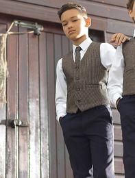 traje de niños blancos solapas de satén Rebajas 2019 Dos piezas Boy Vestimenta formal Chaleco de boda Hombres Novio Chaleco (Chaleco + Corbata)