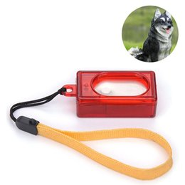 Clique em vermelho on-line-Cão portátil Pet Click Clicker Formação Obediência Vermelho Agilidade Puppy Training Aid Alça de Pulso Ferramentas 60 pcs AAA763