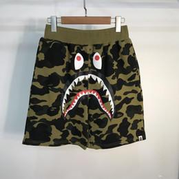 pantalones de entrepierna masculina Rebajas Los más nuevos hombres Shark Camo Shorts amante de algodón Camo Causal Shorts hombres Casual camuflaje Beach Shorts Streetwear envío gratis