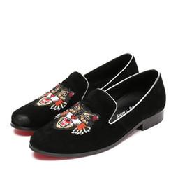 Loafer stilvolle beiläufige schuhe online-2018 neue Stil Stilvolle Männer Loafers Europa Stil Business Casual Schuhe Friseur Nachtclub Persönlichkeit niedrige Hilfe Männer Schuhe S408