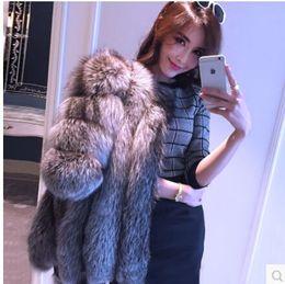 2015 otoño invierno abrigo cálido nuevo Silver Fox Fur abrigo de prendas de vestir exteriores para mujer de moda de piel más el tamaño S-4XL desde fabricantes