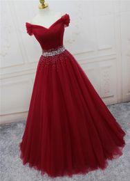Langes kleid dunkelrot
