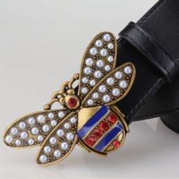 Argentina Venta caliente 2018 Moda amarillo abeja Hebilla Hombres Mujeres Cinturones de Diseño Estilo Europeo de Alta Marca cinturones Cinturón de cuero Real para el regalo cheap yellow leather belt men Suministro