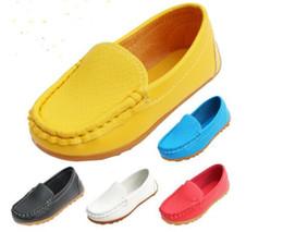 Argentina Tamaño 21-30 caucho de alta calidad suela suave planos casuales zapatos del barco venta caliente zapatos de los niños niños zapatillas de cuero de la PU BoysGirls supplier rubber shoes for sale Suministro