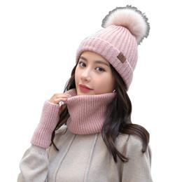 Inverno cappello sciarpa e guanti Set carino pelliccia finta pompon Beanie  guanti sciarpa infinity donne berretto a maglia inverno freddo set regalo 79615b293300