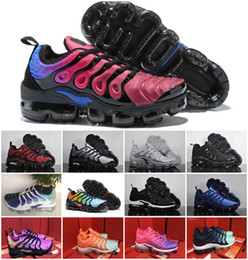 Wholesale colorful womens shoes - 2018 Vapormax TN Plus Olive Mens Womens Sports Running Shoes Women Sneakers Metallic White Silver Colorful Triple Black air Shoes size 36-45