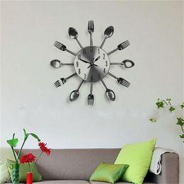 Sala de arte relojes de pared online-Cubiertos Relojes Cocina moderna Sala de estar Pared Cuchara Tenedor Cuchillo Reloj Mecanismo Diseño Decoración para el hogar Arte Venta caliente 21hr V
