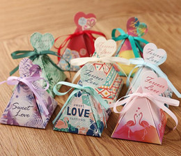 Wholesale wrap ribbon candy box - Wedding Favors birthday gift box Triangular Pyramid flower leaves Candy Boxes heart tags+ribbon