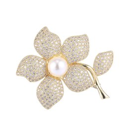stone coats Promo Codes - Wholesale Handmade Diy Overcoat Finding Elegant Zirconia Rhinestone Coat Brooch Pins Pearl Flower Brooches Women Wedding Party Jewelry Fits