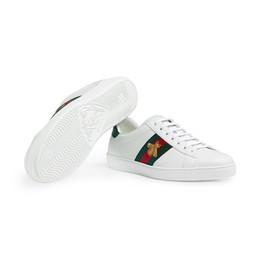 sapata italiana dos homens do desenhista Desconto 2019 homem mulheres designer venda sapatos azul listra vermelha com versão de atualização de alta qualidade casual ace italiano bonito mens sapatos online