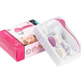 Facial, limpeza, escova, jogo on-line-Equipamentos de beleza 5in1 Conjunto de Cuidados Com A Pele Escova De Lavar Massageador Poros Limpo Profundo Limpo Remover hot vender Elétrica Facial