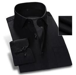 b03695accff Spring New 2018 Pure Color Hombres Camisa de vestir Manga larga Classic Fit  Twill Moda Ropa de trabajo negro Marca Hombres de negocios Casual Camisa