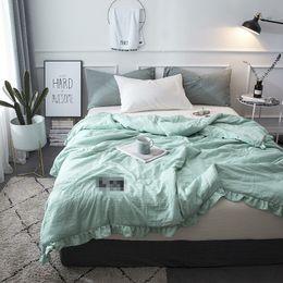 Edredón rosa sólido online-Lacework Colcha de verano azul verde edredón tamaño queen completo 150 * 200 cm 200 * 230 cm rosa gris sólido cama doble remiendo de poliéster