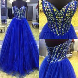 Fancy Royal Blue Vestidos de baile 2018 Nuevas llegadas Cuello de novia Piedras de imitación brillantes Corsé con cuentas Blusa Una línea Vestidos formales de tul desde fabricantes