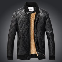 Wholesale polyester leather jacket - Europe New 2017 Winter Men's Fashion Pu Leather Wide Waisted Jackets Coats With Fleece Male Oversize Outwear