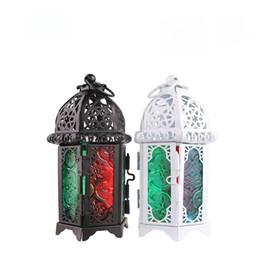 2019 linternas de vidrio de hierro Sostenedor del candelero del estilo marroquí Candelero de cristal del metal Candelero Vela Decoración de la boda del hogar linternas de vidrio de hierro baratos