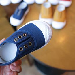 Crianças sapatilha sapatos de desporto Do Bebê crianças doces Primeiros Caminhantes Crianças fundo macio Anti-skid Sapatos de Inverno Quente sapatos Da Criança XXP60 cheap infant soft bottom shoes de Fornecedores de calçados infantis de baixo macio