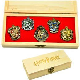Harry Potter College Insigne Broche Magique École Pin Gryffondor Serdaigle Serpentard Poufsouffle Broches Cadeau De Noël Gratuit DHL1088 ? partir de fabricateur