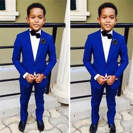 Argentina Royal Blue Kids Boda formal Novios Tuxedos 2018 Dos piezas de solapa con muescas Flor Niños Niños Fiesta de baile chaqueta y pantalones Suministro