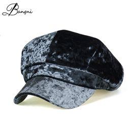 Nuovo autunno cappello di velluto donna uomo berretti pleuche cappelli per  vintage ottagonale berretto ragazzi ragazze berretto femminile strillone ... 2f45e777470c