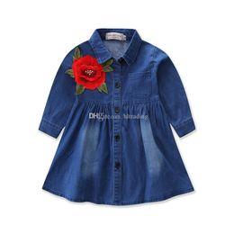 chemises enfants broderie florale Promotion Bébés filles Broderie Princesse Robes Enfants Denim Fleur chemise Robe 2018 nouveaux Enfants Boutique Vêtements C3578