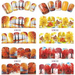2019 art noix jaune rouge 1 Feuille Automne Style Jaune Rouge Feuille D'érable Étiquettes Autocollant Transfert De L'eau Nail Art Autocollants DIY Ongles Stickers Manucure BN505-516 art noix jaune rouge pas cher