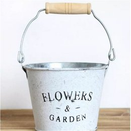Wholesale Vintage Metal Planter - Vintage Style Planter Round Iron Buckets Succulent Flower Pots Tin Pails with Wooden Handle bb115-117 2017122801