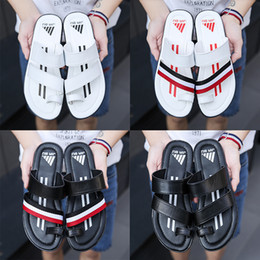Wholesale Leather Soft Shoes Sandals - 2018 good quality men's designer slippers Genuine Leather clip feet flip style European striped sandals style Shoes luxury brand sandals