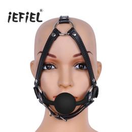 2019 o anel gags Acessórios Máscaras de Couro Ajustável de Metal O-rings Buckled Cabeça Arnês com Boca de Silicone Bola Mordaça Trajes para A Mulher Adulta desconto o anel gags