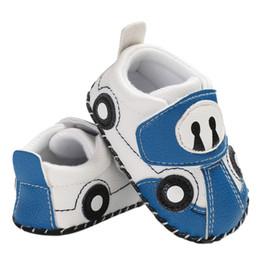 scarpe auto per i ragazzi Sconti 18 Newborn Baby Boys Toddler Shoes Soft Suola Walker antiscivolo Cartoon Car modello Scarpe Autunno Primavera Walking Culla